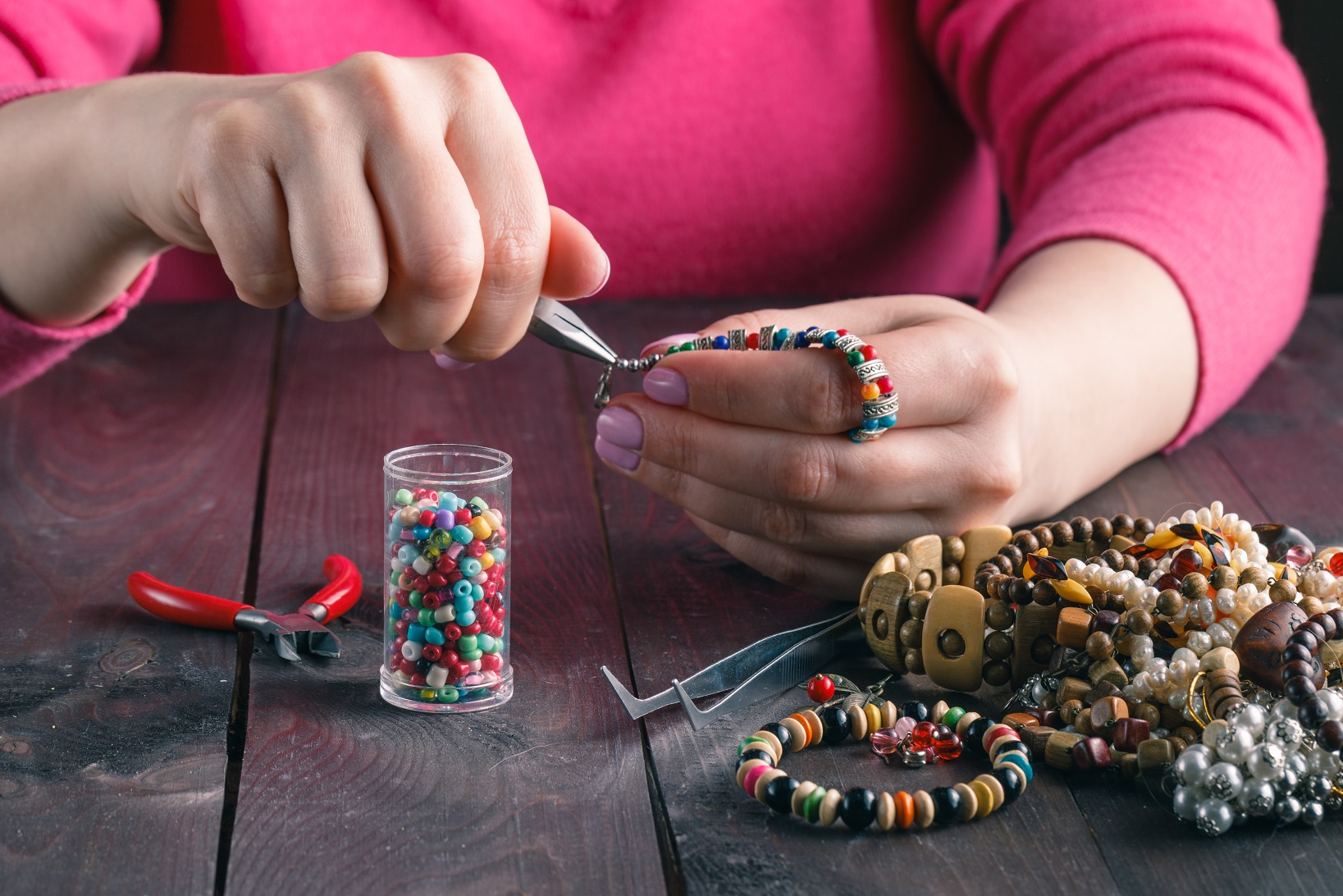 female-make-craft-beads