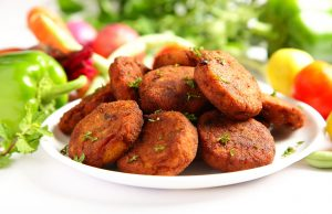 delicious-homemade-cutlets-served-fresh-vegetables homemade cutlet