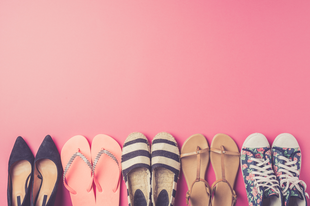 collection-womens-shoes-on-pink-background