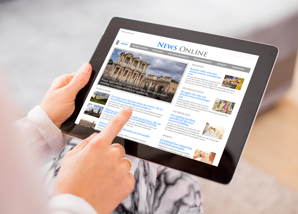 sample-news-website-on-digital-tablet