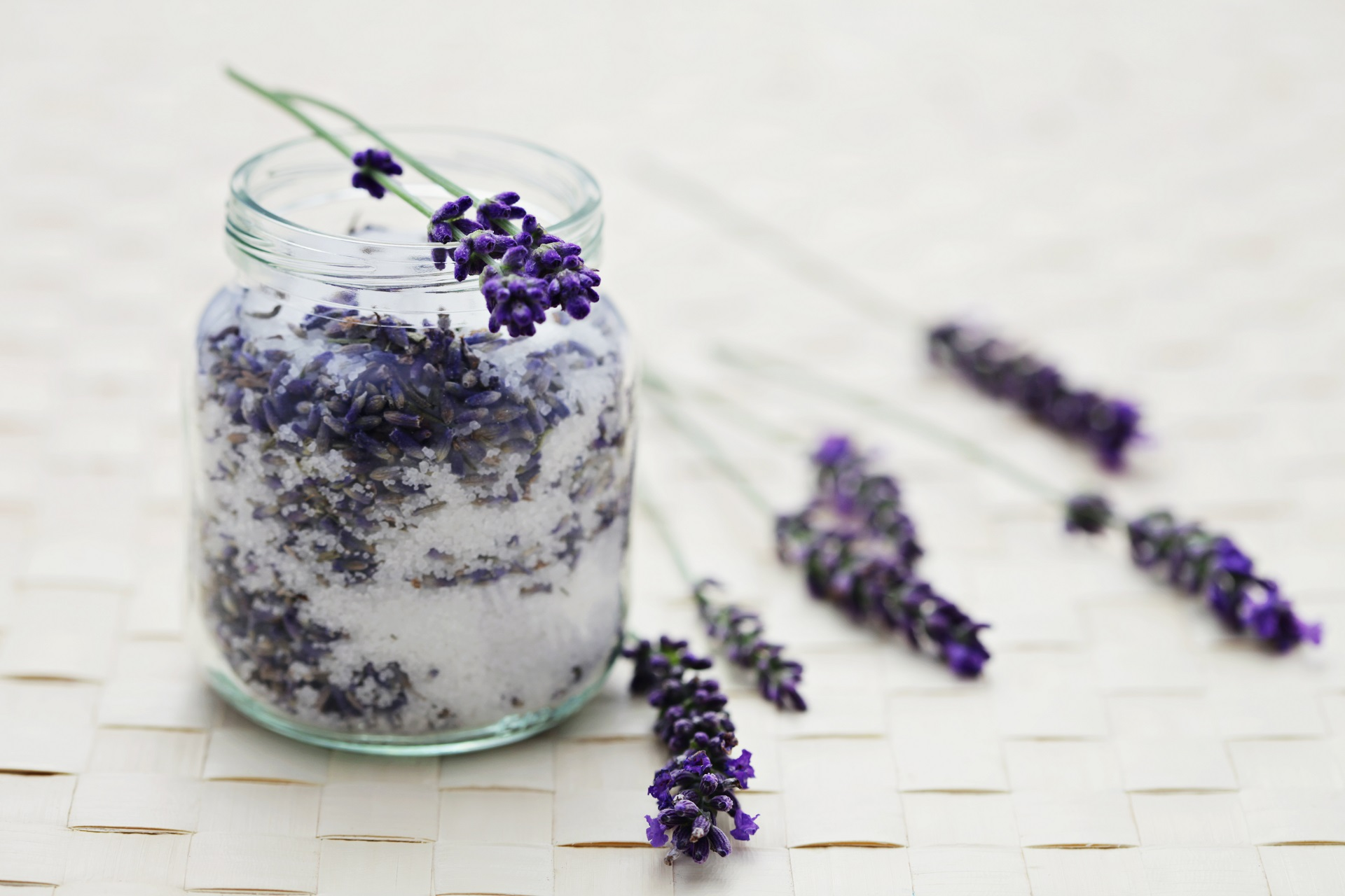 Lavender sugar as gifts.